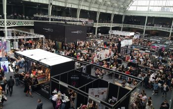 8 Trade Show Booth Ideas to Attract Visitors and Customers